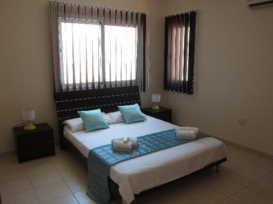 Anafotida, Cyprus: One of the two top bedrooms