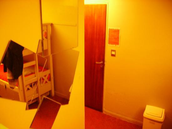 HI Hostels Suites Palermo: 4 bed dorm entrance