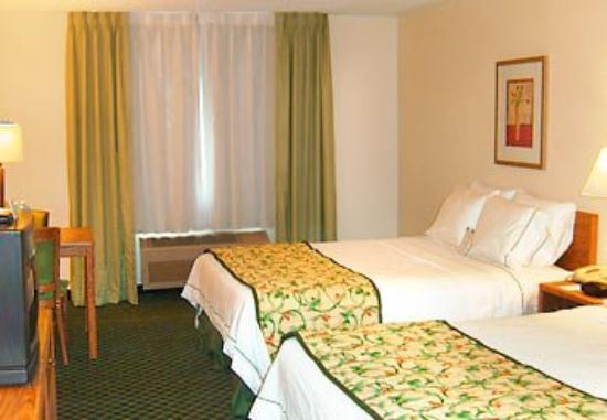 Fairfield Inn Danville: Queen/Queen Guest Room
