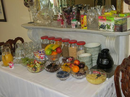 Marless House Bed &amp; Breakfast: The impressive fruit/cereal table at breakfast
