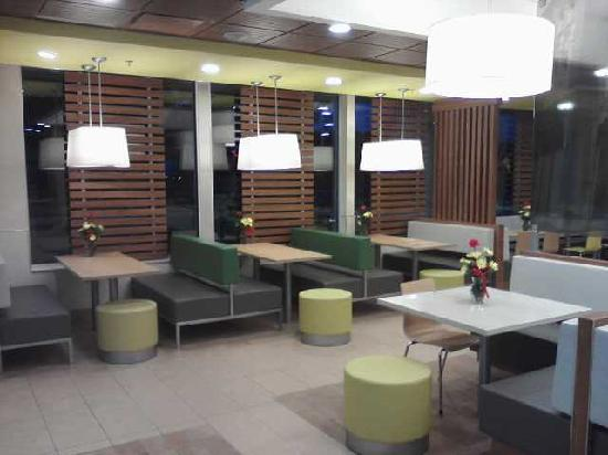 Interior of dining area picture of mcdonald 39 s grand for Dining area interior