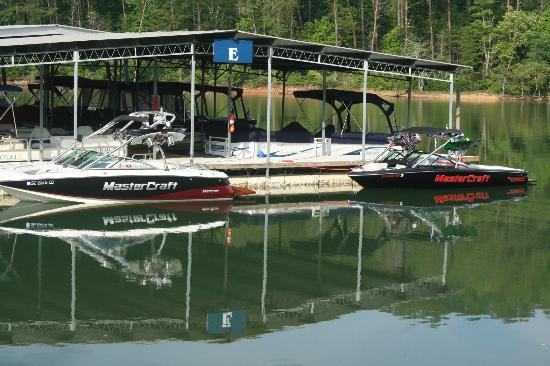 Boundary Waters Resort &amp; Marina: Great marina facilities