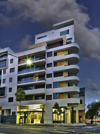 Photo of Meriton Serviced Apartments Danks Street, Waterloo Sydney
