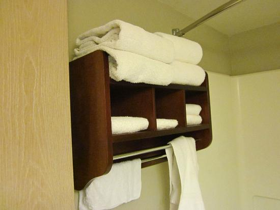 Quality Inn Chandler: Lots of towels