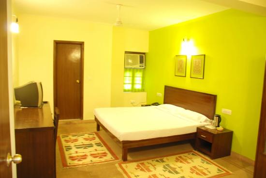 Rajdeep Hotel: Super Deluxe Room with All Facilities