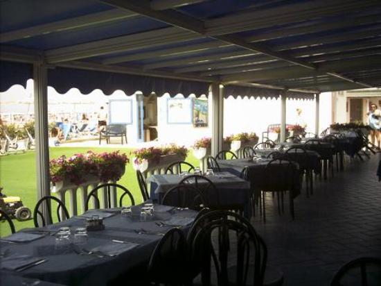 Bagno nettuno marina di grosseto restaurant reviews for Moderno bagno ranch