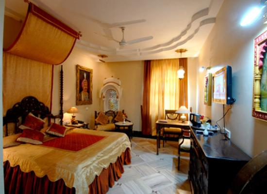 Basant Vihar Palace Hotel
