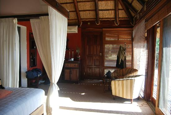Chikwenya Safari Lodge