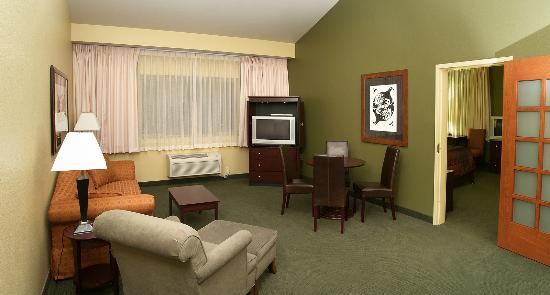 Little Creek Casino Resort: Spa Suite - Living Room