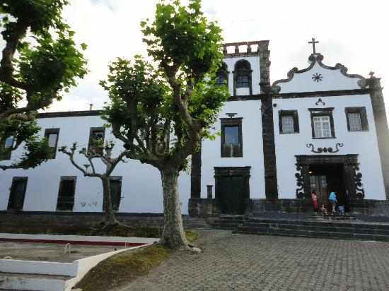 El Convento de Sao Francisco: Hotel from the outside
