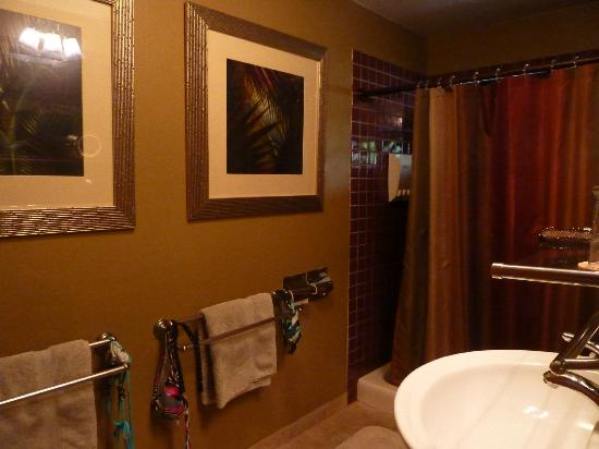 Aloha Guest House: Our bathroom
