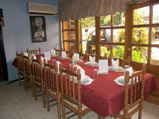 El-Elyon Hotel: Dining