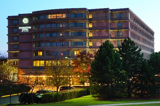 Doubletree Guest Suites & Conference Center Chicago / Down