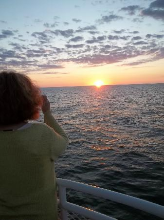 Twin Oaks Inn: Sunset cruise