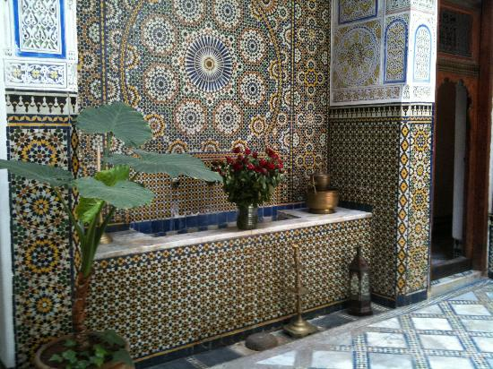 Dar Attajalli: beautiful reception area