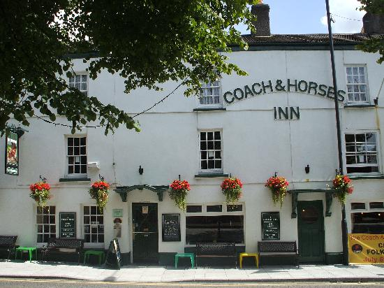 ‪Coach and Horses Inn‬