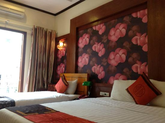 Hanoi Symphony Hotel: Deluxe room