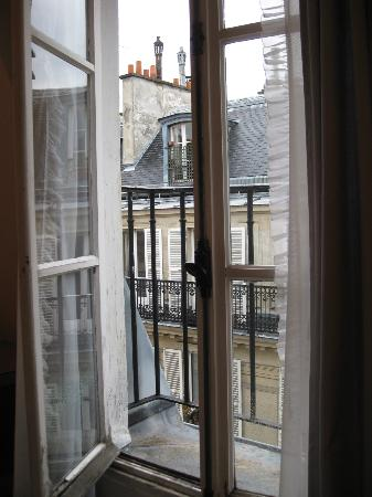 French balcony in room picture of vieux marais paris for What is a french balcony