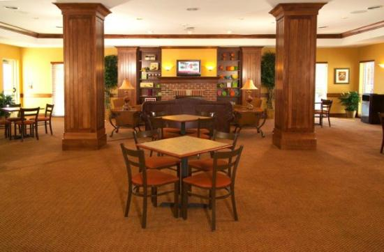 Ramada Appleton: Great Room & Breakfast Area