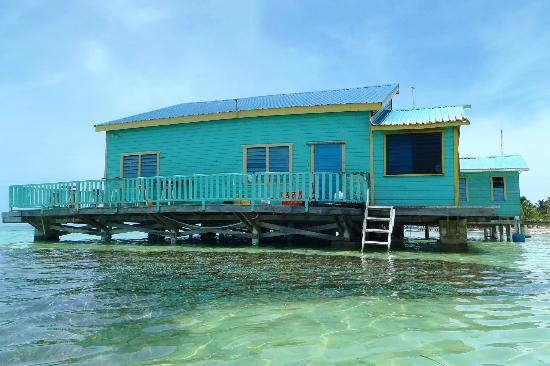 Tranquility Bay Resort: view from the water...fish love to hang out by the posts