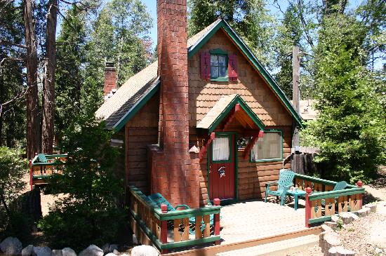 Arrowhead Pine Rose Cabins