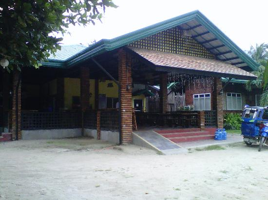 Fernandez Beach and Garden Resort: Restaurant