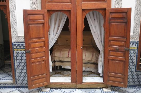 Dar El Menia: Our bedroom that oopens into the courtyard