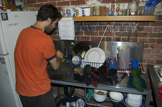 Le Jazz St. Denis: The Washing-Up Fairy at work