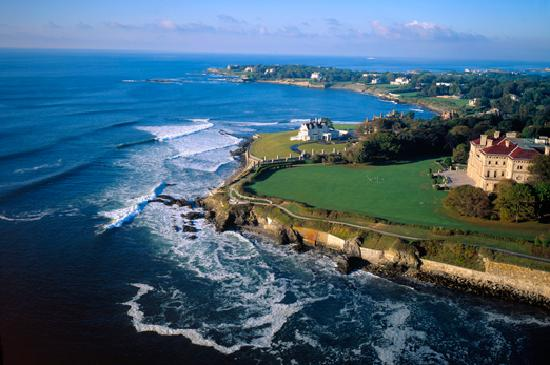 Historic mansions line the spectacular Newport Cliff Walk
