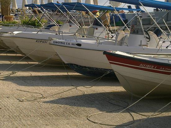 Kontokali, Grèce : the boats available