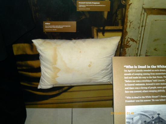 Bloody pillow on which president lincoln 39 s head rested the night he died picture of ford 39 s