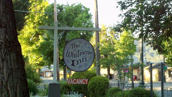 The Whitmore Inn: Front of hotel