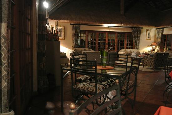 Blyde River Canyon Lodge: Lodge and dining room area