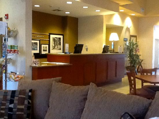 Hampton Inn & Suites Phoenix Airport South: reception