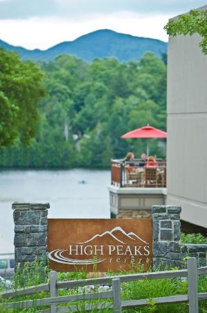 High Peaks Resort: Lake & Mountain Views