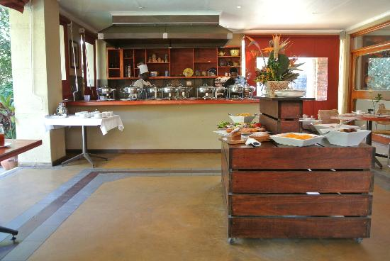Hotel Numbi &amp; Garden Suites: Breakfast area