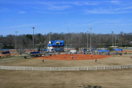 Hampton Inn Auburn: Softball Park