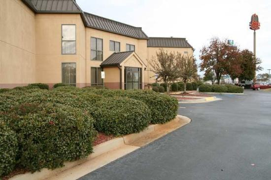 Hampton Inn Perry: Exterior