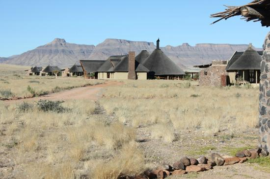 Hoodia Desert Lodge: Setting