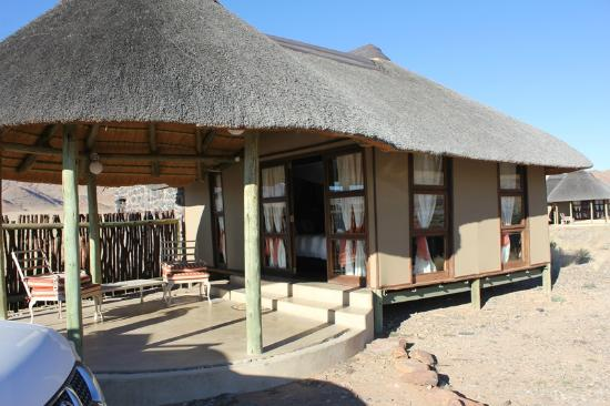 Hoodia Desert Lodge: Outside View of Room