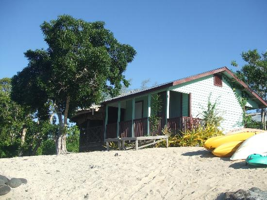 Bayview Resort: beachfront cabin