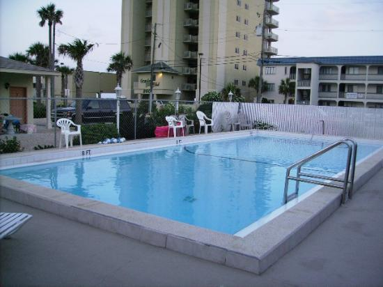 Spartan Inn: Pool