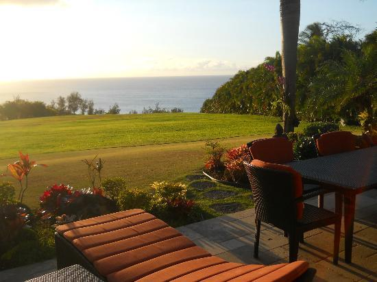 Secret Beach Hideaway: View from Hale Nanea