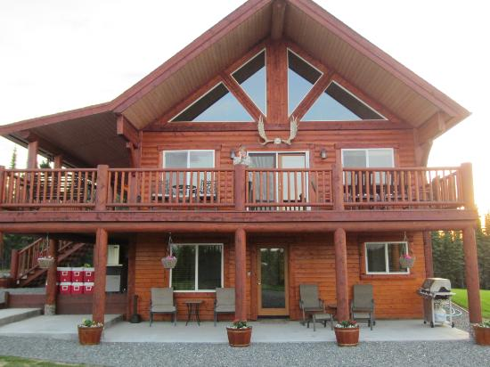 Alaska's Last Frontier Fishing Lodge: Lodge