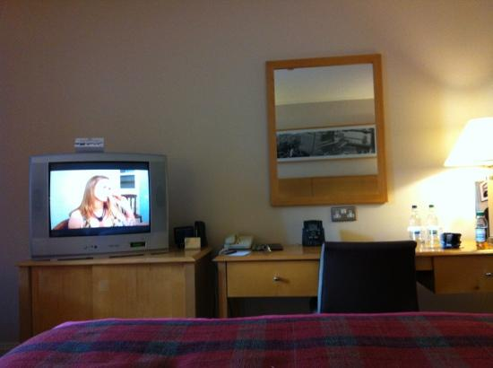 Hilton London Euston: room decor basic but ok
