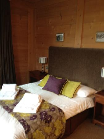 Chalet d'Antoine: beautiful room with views on 2 sides