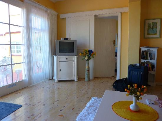 Haus am Strand: spacious room with the garden suite