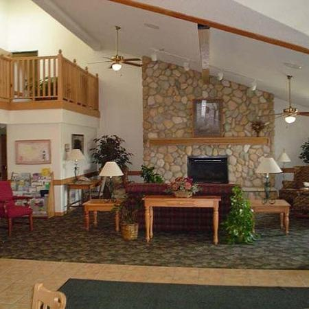 FairBridge Inn & Suites: Lobby