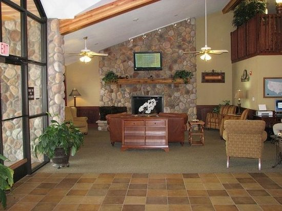Borger Ambassador Inn: Lobby