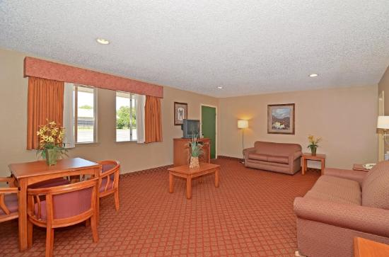 Americas Best Value Inn: Suite